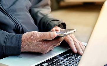 Adolescente cria aplicativo para ajudar pacientes com Alzheimer a identificar seus familiares