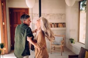 Entenda como aulas de dança podem melhorar a qualidade de vida de pessoas com Parkinson