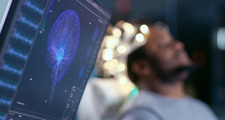 Dispositivo com implante cerebral traduz pensamentos em fala