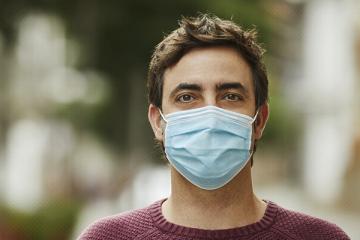 O uso de máscara não causa falta de oxigênio e doenças neurodegenerativas